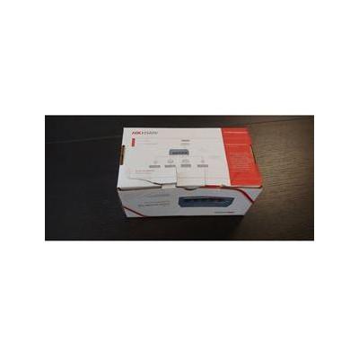DS-3E0105P-E/M(B) - switch 4x 100TX PoE + 1x 100TX uplink, 35W, Super PoE
